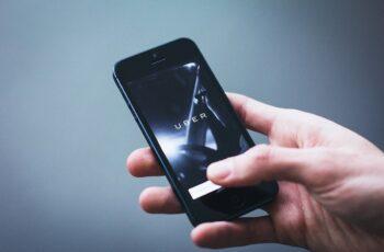 São Paulo iniciou fiscalização de motoristas de Uber e demais apps.