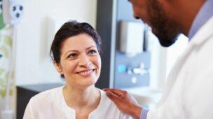 Professores da rede pública e privada devem procurador postos de saúde para receberem gratuitamente a vacina da gripe