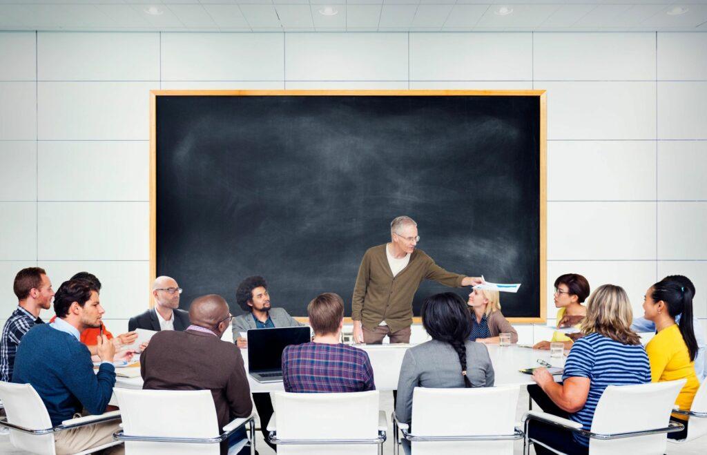 Univasf prorroga prazo de inscrição em concurso para área administrativa.